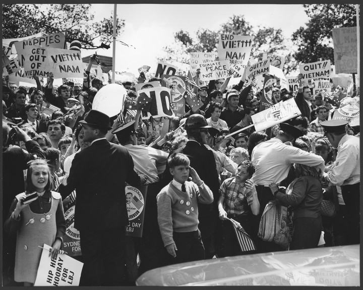 Anti-Vietnam Demonstrators Mix with Greeters 1966