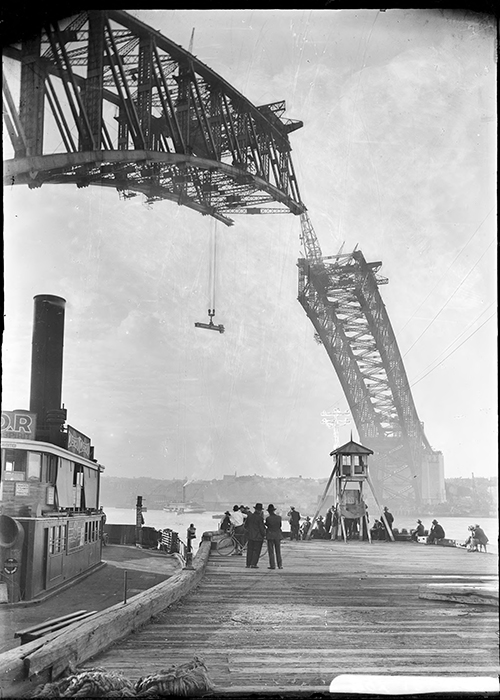 Sydney Harbour Bridge being built