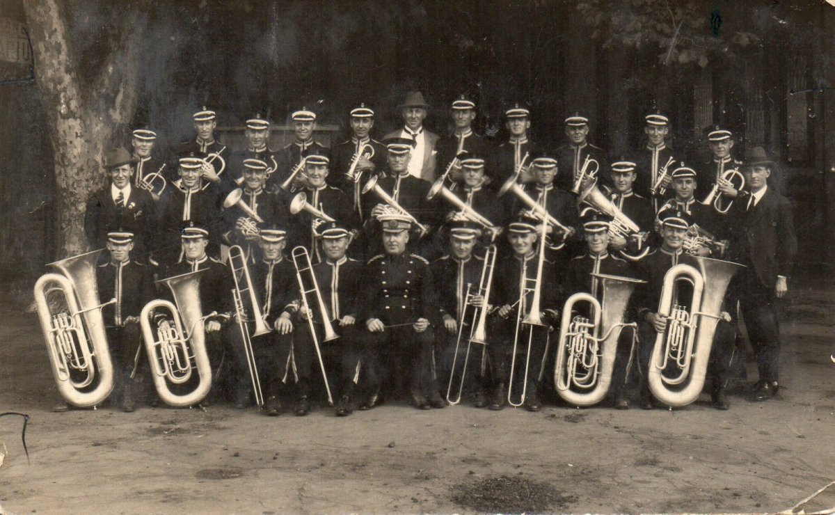 Group portrait of the Australian Commonwealth Band