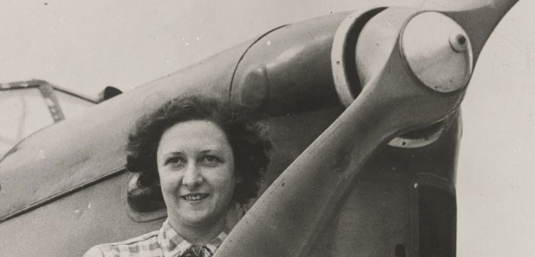 Photograph of Lores Bonney with her Klemm Monoplane