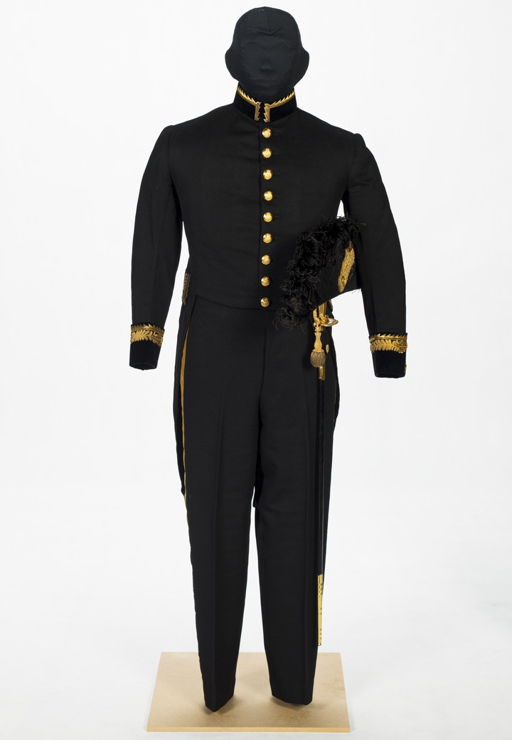Shaw's uniform
