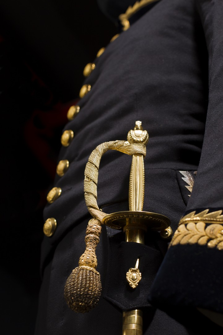 Shaw's uniform, detail