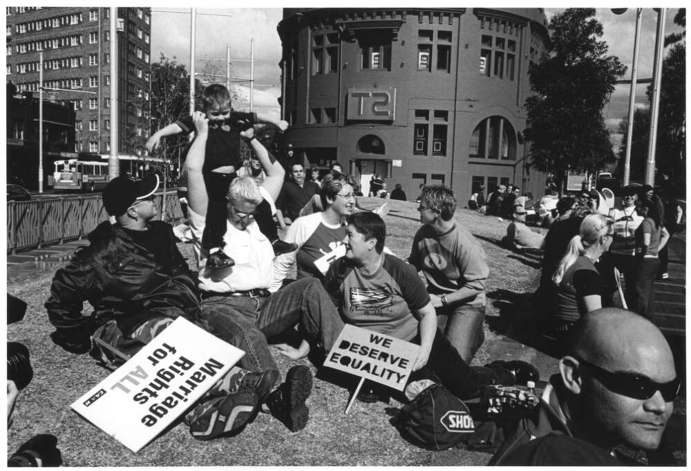 Karl Sharp, Protesters Gather at 'Equal Rights for Same Sex Marriage' Rally, Taylor Square, Sydney, May 2004 [picture], nla.cat-vn3257795.