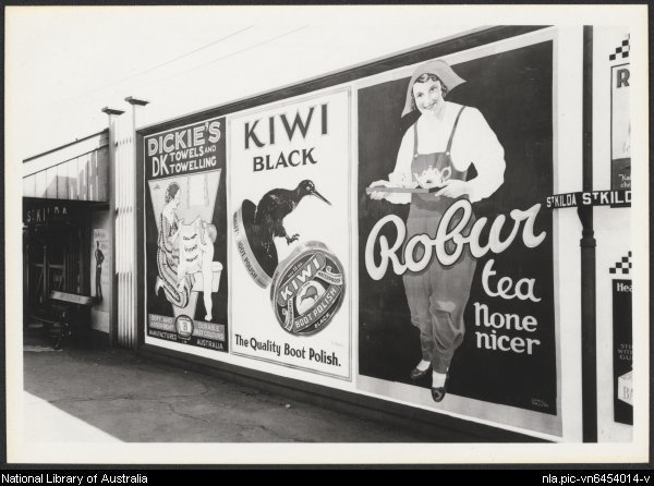 Billboard advertising Robur tea c.1935