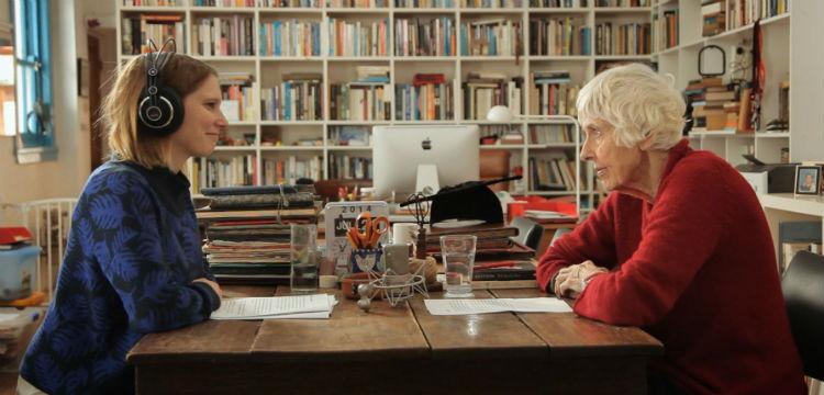 Anne Deveson sitting with documentary maker Sari Braithwaite