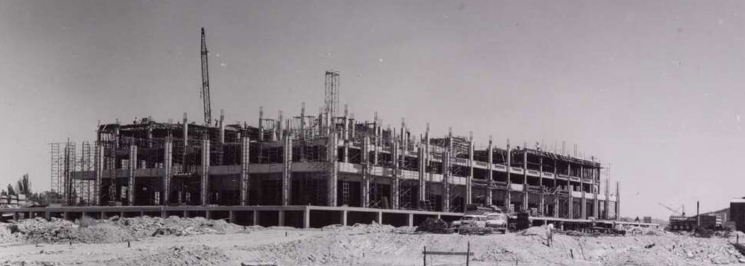 The National Library of Australia under construction