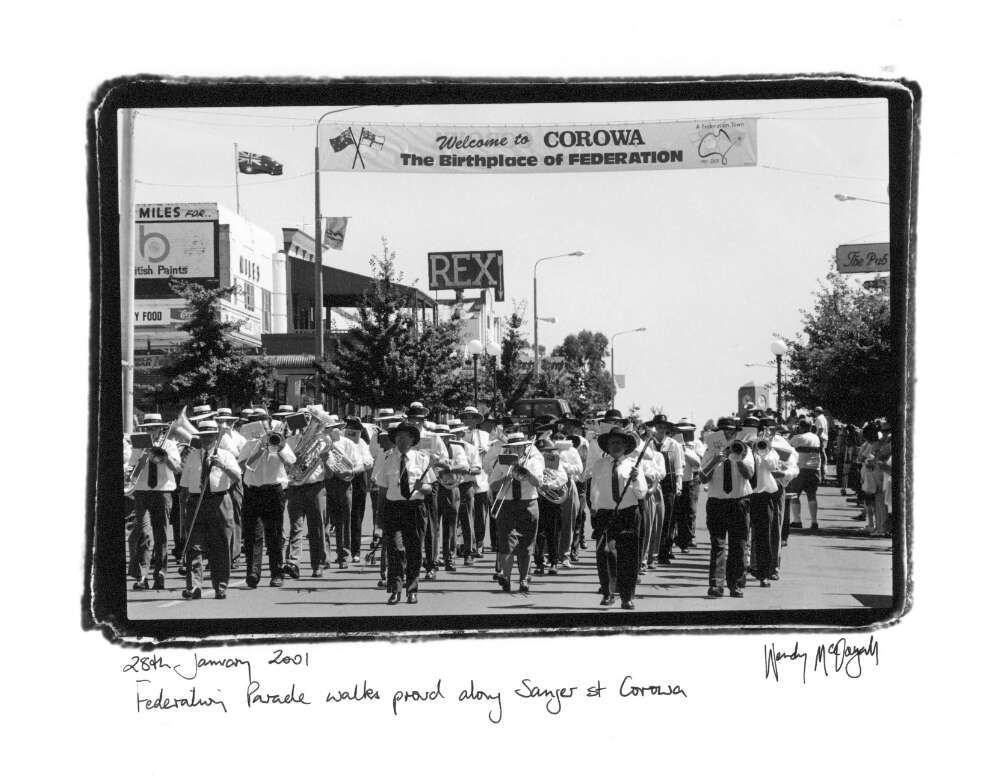 Federation Parade walks proud along Sanger St. Corowa, 28th January 2001
