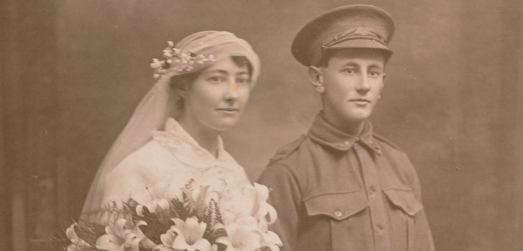 Wedding portrait of Kate McLeod and George Searle of Coogee, Sydney, 1915