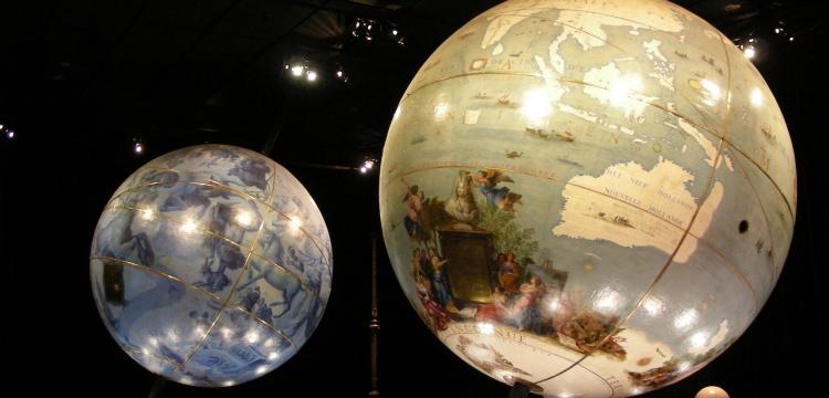 VincenzoCoronelli, The globes of Louis XIV (1681-3).Bibliothèquenationalede France.Photocredit© Kristina D.C. Hoeppner. CC BY-SA 2.0