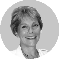 Portrait of Dr Suzanne Rickard