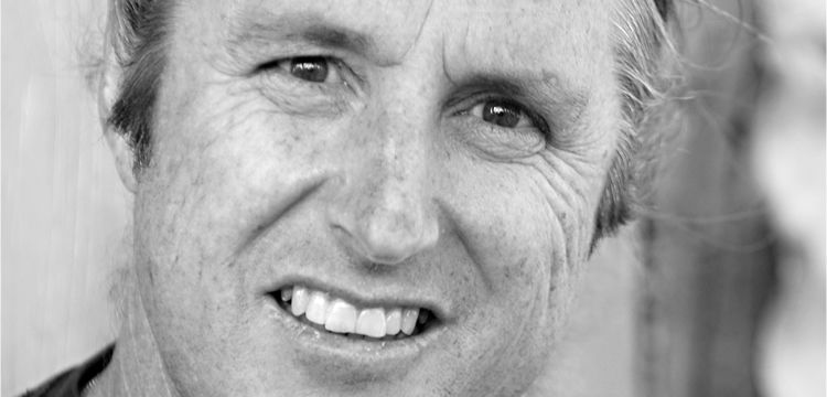 tim winton 'on her knees' by tim winton - task sheet take another look at the story 'on her knees', which we read in class some time ago then answer the following questions: 1/ what is suggestive about the title.